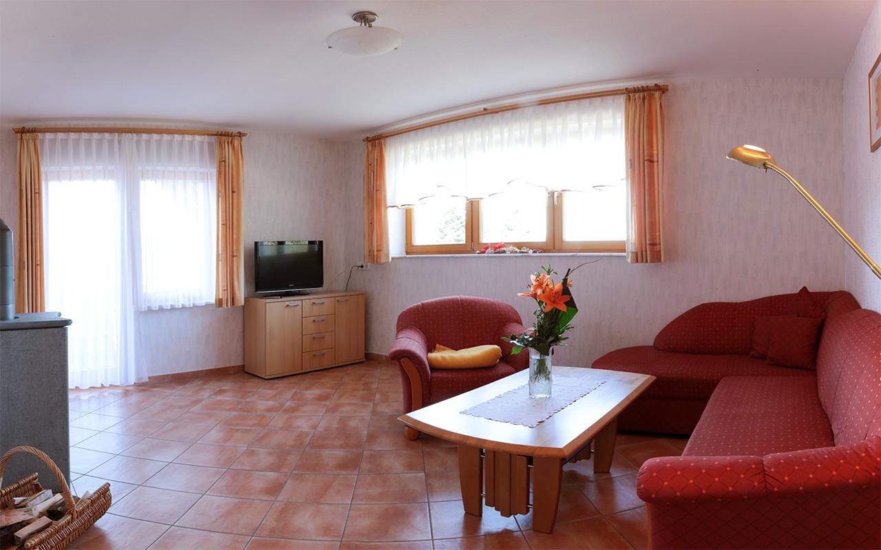 Ferienwohnung 2 90 qm dachgeschoss braunbergst ble for Wohnzimmer 19 qm